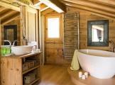 Mezzanine_bathroom